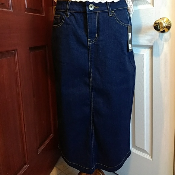 8b6cb94d70 NWT Dark Modern Denim Midi Skirt. M_5c4609379fe486b3e6335373